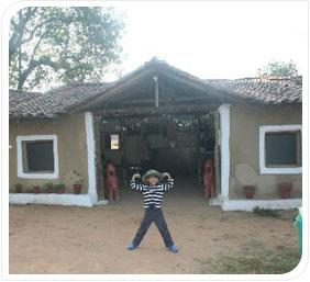 kanha village eco resort
